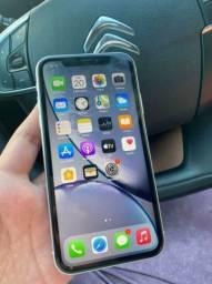 iPhone xr branco 64GB
