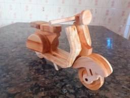 Vespa, Lambreta em madeira