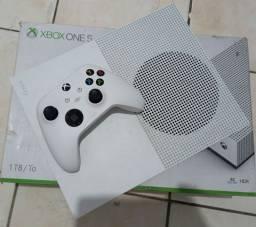 Xbox one s 1Tb com 1 controle, super conservado.