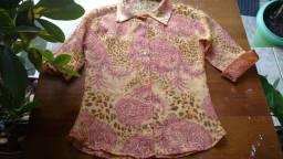 Blusa/Camisa em crepe estampado - P
