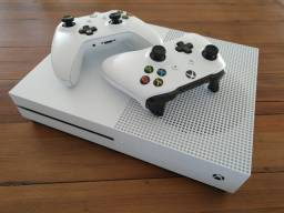 Xbox One S - Dois Controles