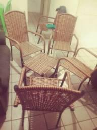 Conjunto de cadeiras com centro