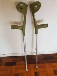 Muleta com regulagem de altura semi nova