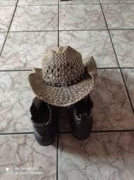 Botão e chapéu