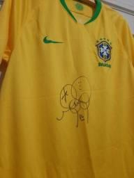 Camisa seleção brasileira autografada.