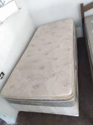 Vendo cama com colchão, solteiro