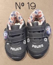 2 Tênis e 1 Sandalha para Bebê