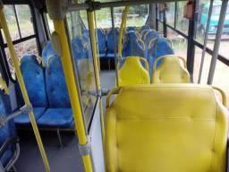 Poltronas e Elevador Micro Ônibus
