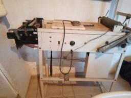 Vendo uma máquina de fazer fraldas