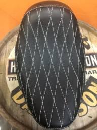 Banco Harley-Davidson Softail Blackline Solo Pedrinho Bancos