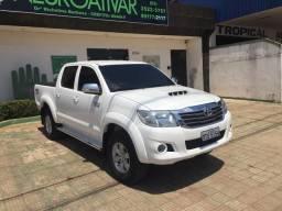 Hilux 14/14 automática diesel - 2014