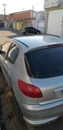 Carro peugeot 2005 conservado vendo ou troco por mas novo de ano - 2005