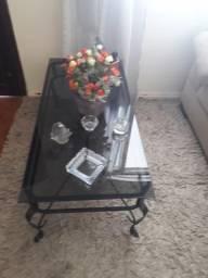 Mesa de ferro com vidro temperado ,usado mais bem cuidado