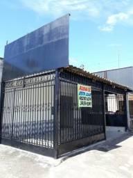 Aluga-se loja de esquina reformada, acesso exclusivo + garagem. Ligar: 3459-4249 Lúcia