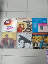 Lote de discos de vinil variados R$180,00
