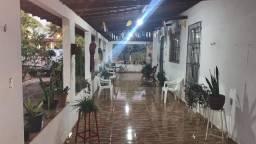 Chácara com 3 Quartos à Venda, 4,000 m² por R$ 335