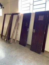 Portas e batentes de imbuia