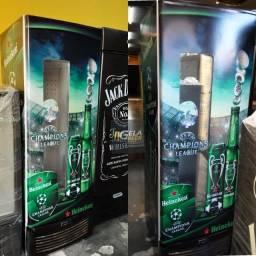 Cervejeira Porta Cega com Visor 570 Litros