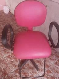 Cadeira e carrinho