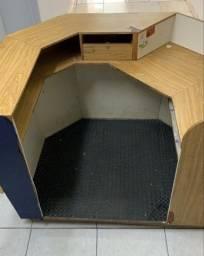 Balcão caixa /atendimento/ recepção