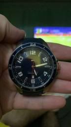 Relógio tommy Hilfiger original fundo azul