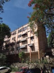 Vendo apartamento muito bem localizado de 2 quartos em Niterói