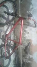 Bicilete semi nova com algumas marcas de uso