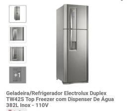 Título do anúncio: Geladeira Electrolux com Dispenser de água