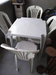 Mesas e cadeiras locação / Novas e higienizadas R$10,00