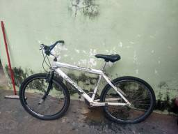 Vendo as duas bicicletas chamar no zap *