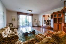 Vende-se ou aluga-se amplo apartamento em Moema pássaros