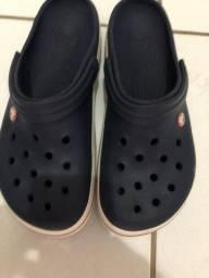 Vendo sandalha Crocs tamanho 41 novinha