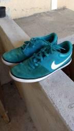 Sapato social + tênis SB Nike