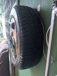 Caixa de som modelo pneu