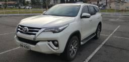 Toyota Hilux SW4 - 2017