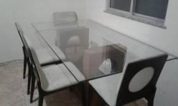 Vendo mesa de vidro com 6 cadeiras por $2.500