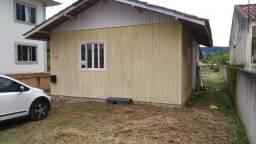Terreno 750 metros com casa de madeira em Palhoça no bairro Aririú