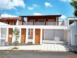 Casa com 4 suítes e várias salas para no Santa Rosália ótima localização