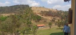 Sítio Maravilhoso com Rica Paisagem em Belo Vale