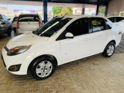 Ford / Fiesta Sedan Se 1.6 8v Flex (Completo)