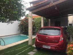Casa mobiliada com piscina na coroa do meio