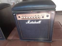 Puff caixa de som amplificada estofada