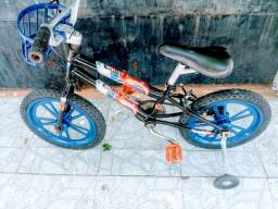 Bicicleta aro 16(pra 2 ate 6 anos )superman