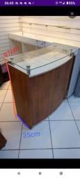 Balcao de madeira para loja