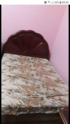 cama de casal com colchão usados em bom estado