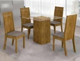 Promoção - Mesa Tampo de Vidro com Cadeiras Estofadas - Só R$749,00