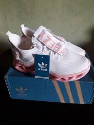 Sapato Adidas novo
