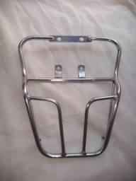 Vêndo suporte para baú moto Honda Fan 2011/2012