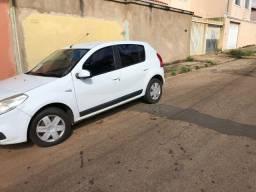 Renault Sandero em ótimo estado