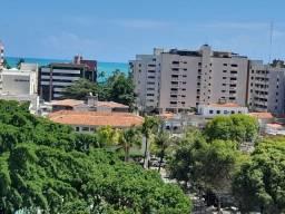 Apartamento 93m² 3 qurtaos + DCE, 2 quadras praia, vista lateral mar, Ponta Verde